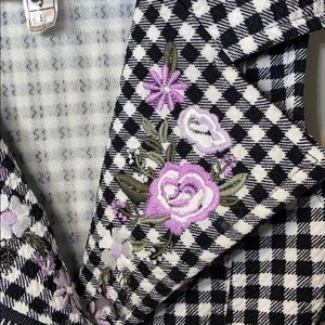Knitworks Shirts & Tops - Knit works black & White embroidered flowers 5